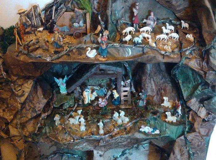 Presepe su Scatole - Grotta