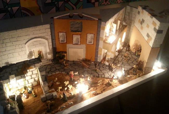 Presepe in polistirene, il borgo antico