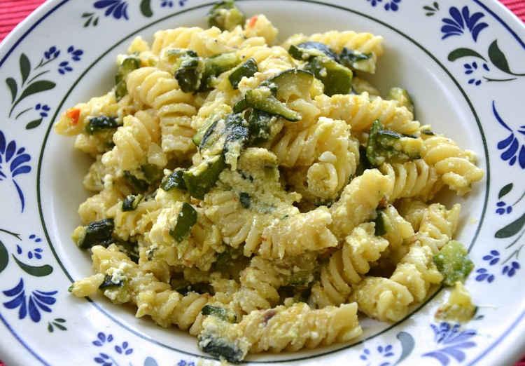 Pasta Zucchine e Ricotta con noci